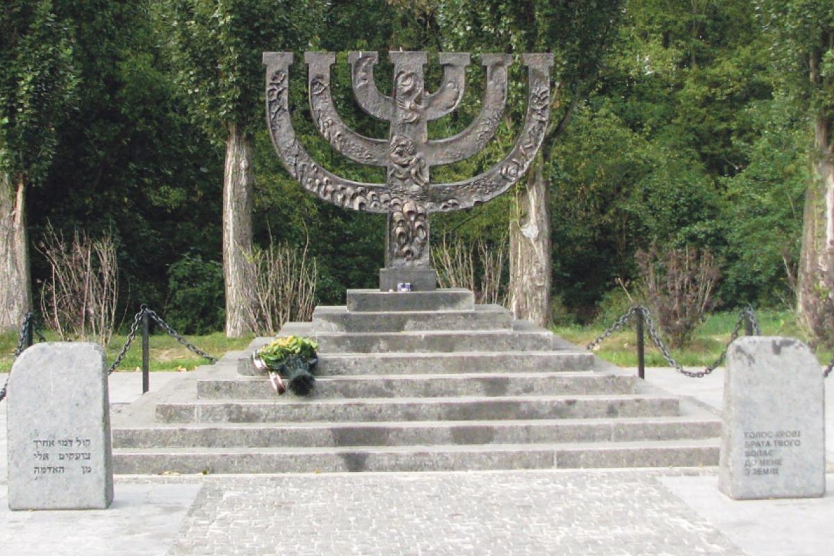 33771facher Mord. Gedenkmenorah für die in Babyn Jar getöteten Juden