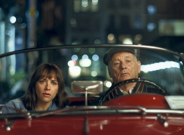 Rashida Jones und Bill Murray im Film On the Rocks