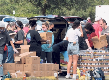 Essenausgabe der Orlando Food Bank